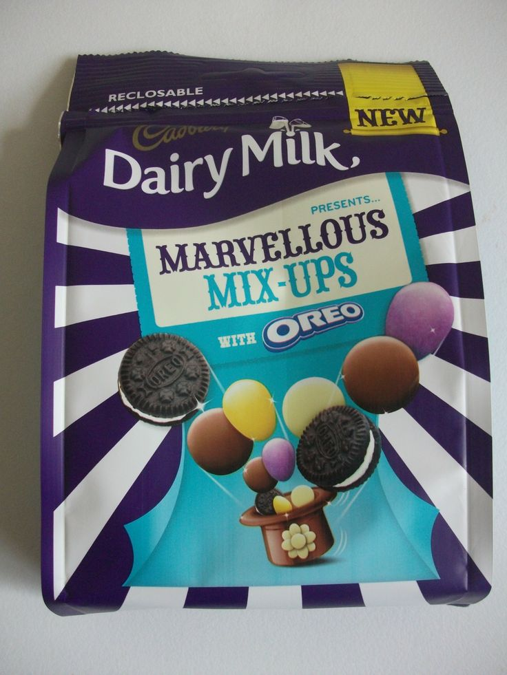 Cadbury Dairy Milk Marvellous Mix-Ups with Oreo - contains mini Oreos, Dairy Milk Giant Buttons, Dairy Milk Pebbles & white chocolate buttons! #chocolate #cadbury
