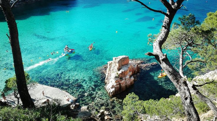 Clear blue waters in Catalonia, Cycling
