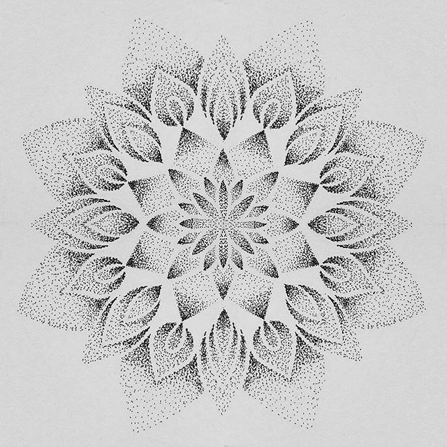 Afbeeldingsresultaat voor dotwork mandalas