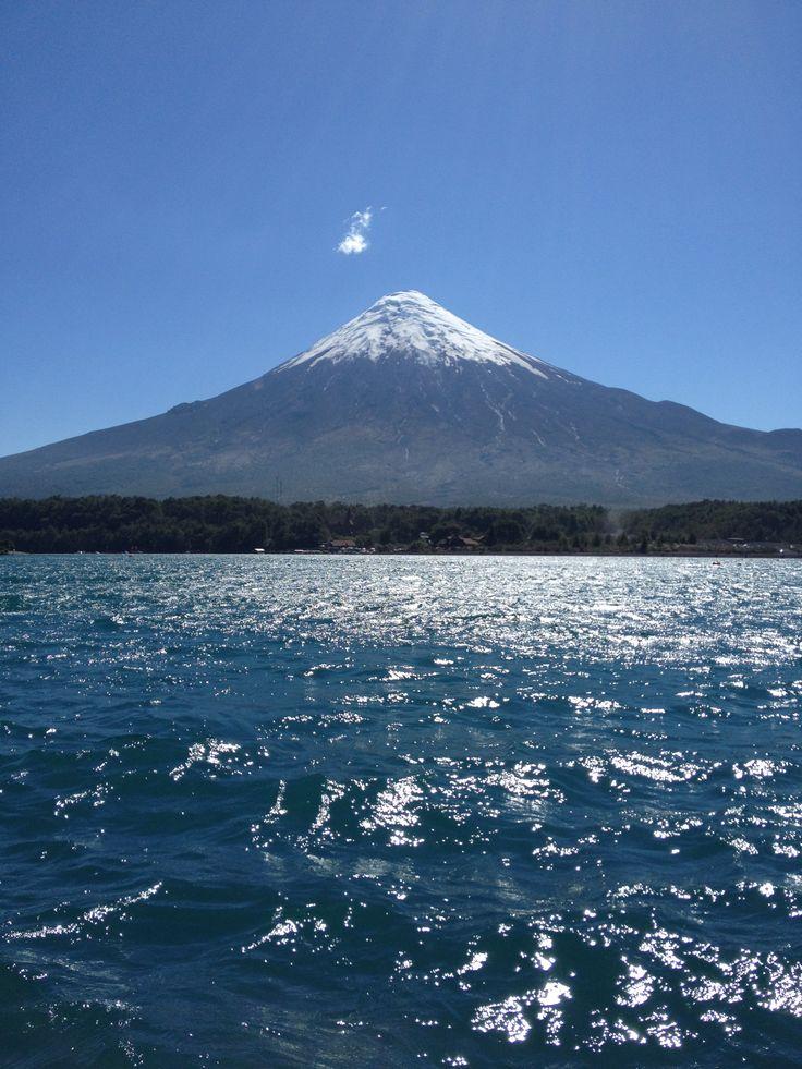 Volcán Osorno, Lago Todos Los Santos. Chile.
