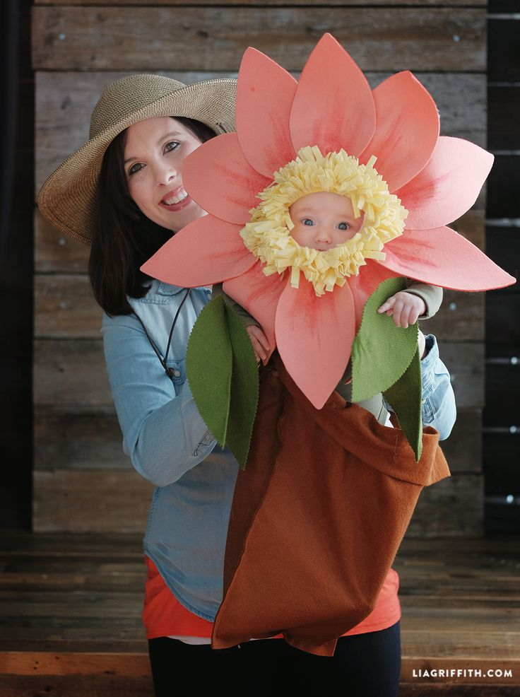 Dress up your little one as your favorite flower this Halloween! Our baby costume ideas will keep your kids cute and comfortable. Click in for the pattern and full instructions.