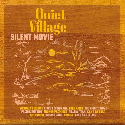 """Ascoltare """"Silent Movie"""" è un'esperienza da compiere a occhi chiusi. È come vivere un sogno. Di una notte o, forse, di una vita."""