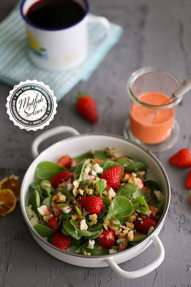 Çilekli Semizotu Salatası Tarifi | Mutfak Sırları