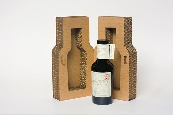 Packaging for Eidos de Iria on Behance