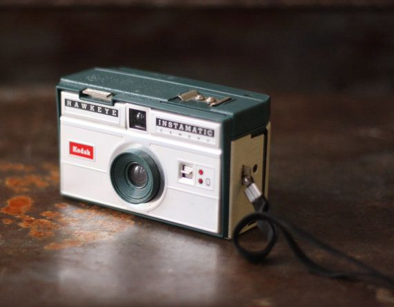 Hey, I found this really awesome Etsy listing at https://www.etsy.com/ru/listing/187590412/vintage-1960s-green-kodak-hawkeye