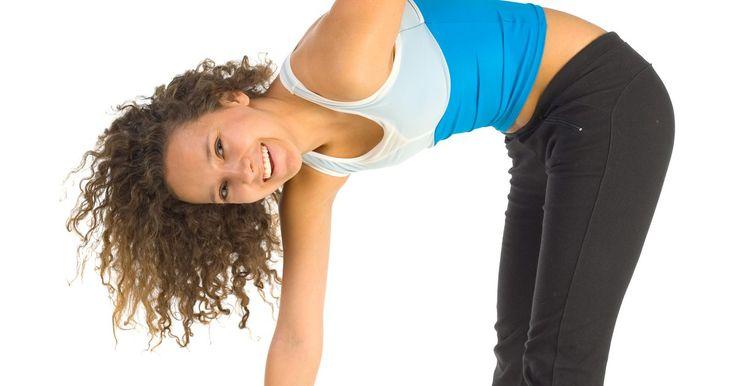7 estiramientos dinámicos para mejorar la movilidad de la cadera. El estiramiento dinámico, que implica el alargamiento y acortamiento de los músculos repetidamente durante un período determinado, es uno de varios métodos que puedes utilizar para mejorar tu movilidad de la cadera, o el rango de movimiento y la flexibilidad de los músculos y los tejidos conectivos circundantes. Tener un entrenador personal para ...
