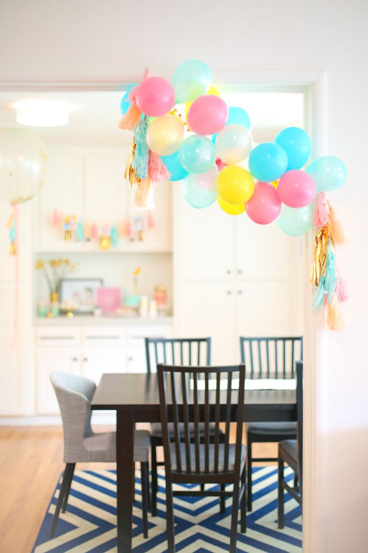How to Make a Balloon Garland for a Birthday Party. Learn our super-sneaky way to create a gorgeous balloon garland in just a few minutes!