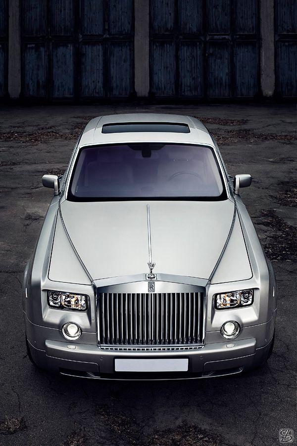 Rolls-Royce Phantom on Behance