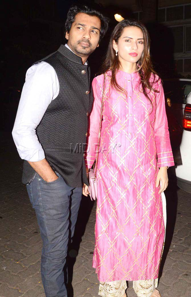 Nikhil Dwivedi with wife Gowri Pandit at Anil Kapoor's residence for Karva Chauth celebrations. #Bollywood #Fashion #Style #Beauty #Hot #Ethnic