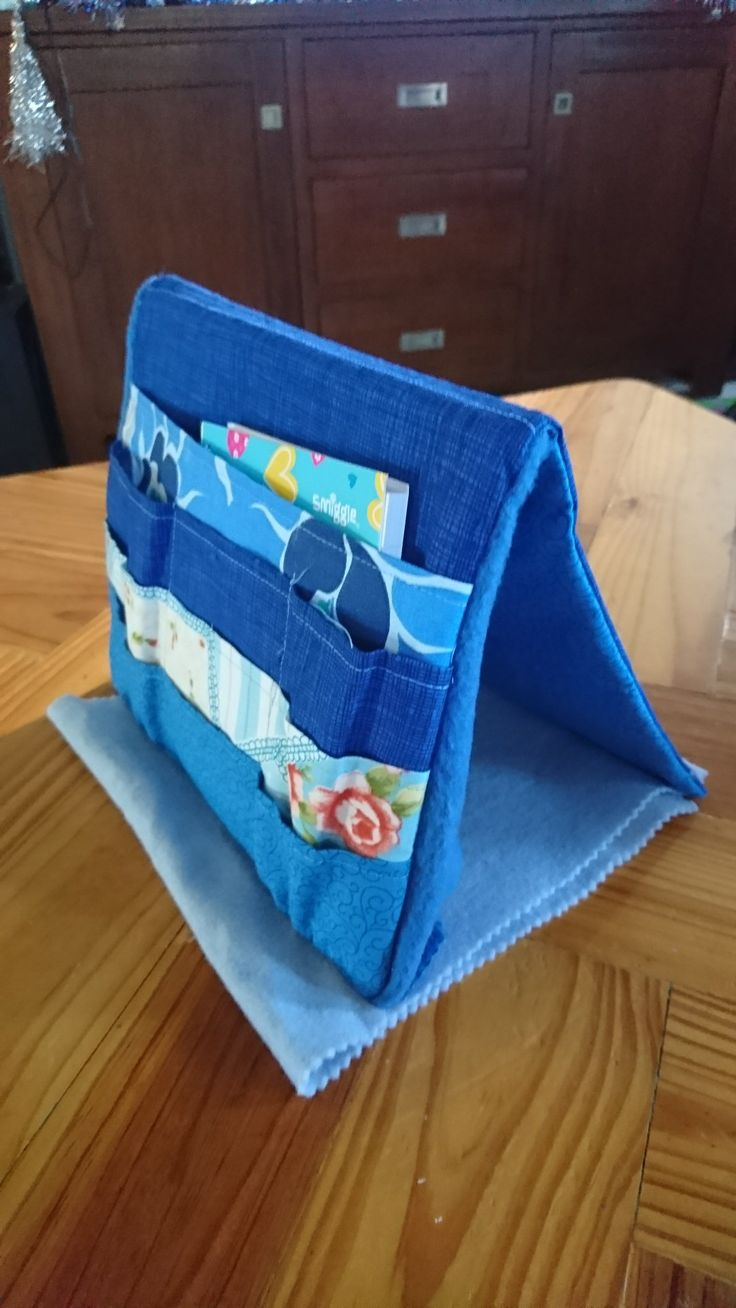 Tooley tote (portable sewing kit)