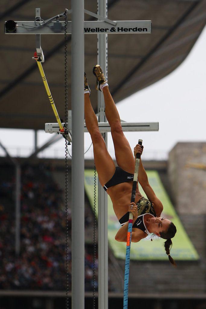 Elena Isinbaeva Photos - DKB-ISTAF - IAAF Golden League - Zimbio