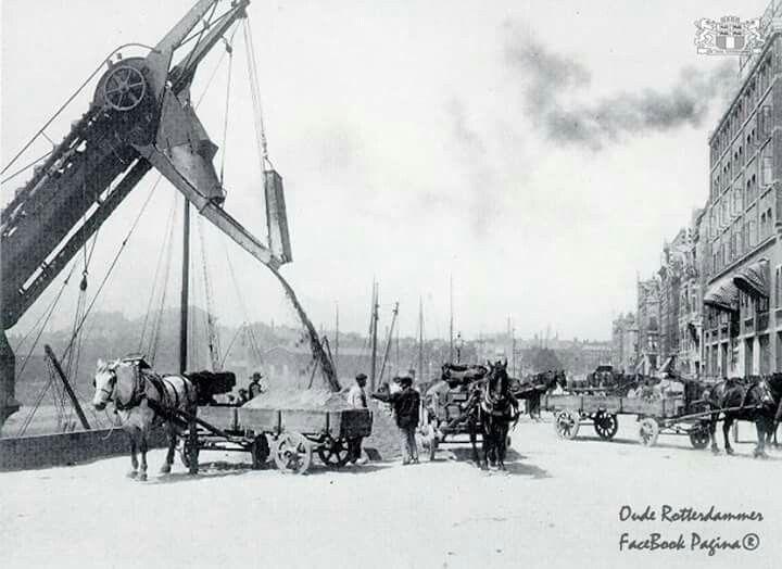 Admiraliteitskade zand lossen 1906