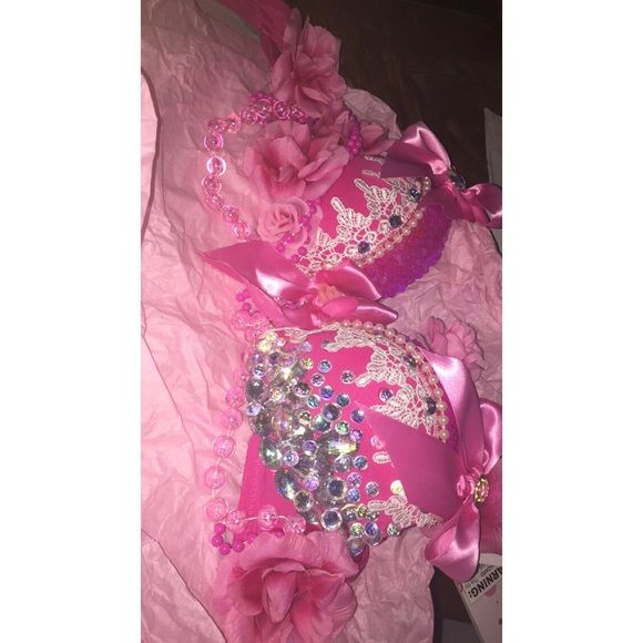 Pink rave bra Brand new beautiful handmade bra for more information please message me :) Other
