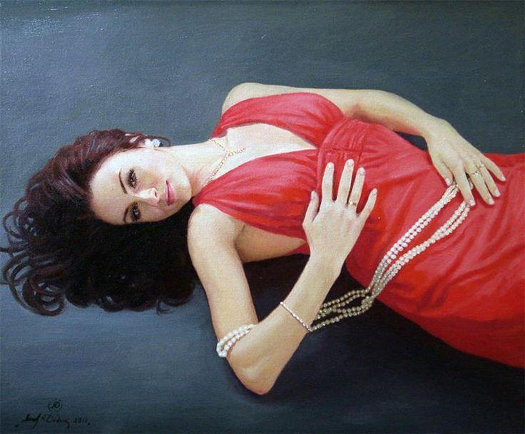 Видеоклип женщина в красном платье