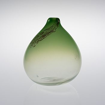 TAPIO WIRKKALA, VAS. Päron. Sign. Tapio Wirkkala Iittala. #bukowskis #bukowskismarket #design #glass
