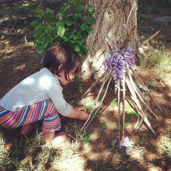 Telling stories through nature. I think this is a great activity for children, because they can use their creativity and imagination, to think of stories and along the way they can learn how different materials interact with each other.