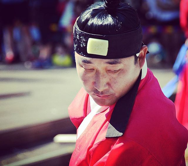 Instagram media by suganorbi - #korea #seoul ##portrait #portre #fighter #traditionalfighting #traditional #traditionalists