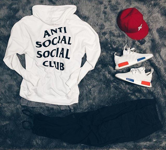 WEBSTA @ straight2feet -  | @outfitgrid .....#antisocialsocialclub hoodie #FOG…