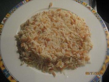 Das perfekte Reisnudel-Pilaw (Reis verfeinert mit Nudeln, Türkischer Reis)-Rezept mit einfacher Schritt-für-Schritt-Anleitung: 1. als erstes den Reis in…