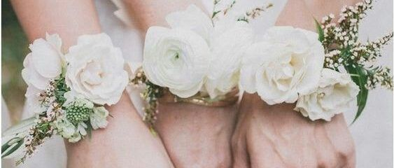 Flawless 25 Best Bridesmaid Corsages : Something Different and Pretty https://weddingtopia.co/2017/09/23/25-best-bridesmaid-corsages-something-different-pretty/ There are a lot of unique approaches to give flowers for prom. It is crucial to understand what flower you're going to use as traditionally, flowers have various meanings. The sort of flower to be used will help determine the cost too. The most popular sort of flower are roses since they are usually regarded as romantic and classic.