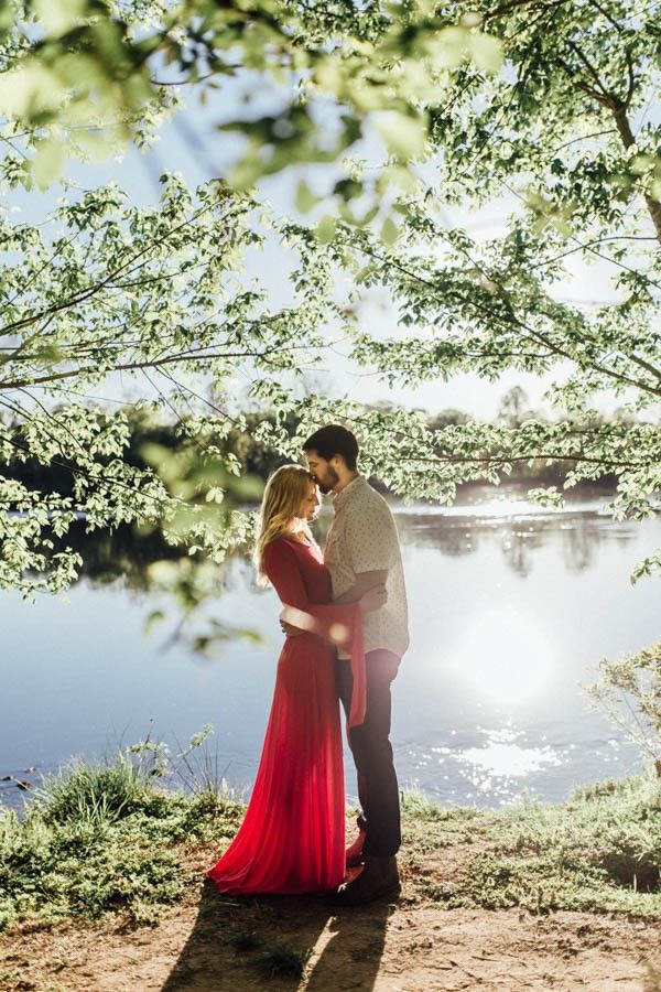 Katy and Logan's stunning photoshoot by the lake | Image by Abby Weeden Photography & Design