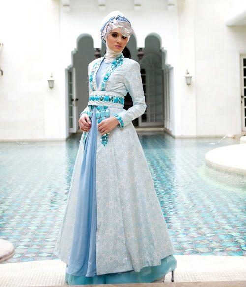 gaun pengantin muslimah biru-4