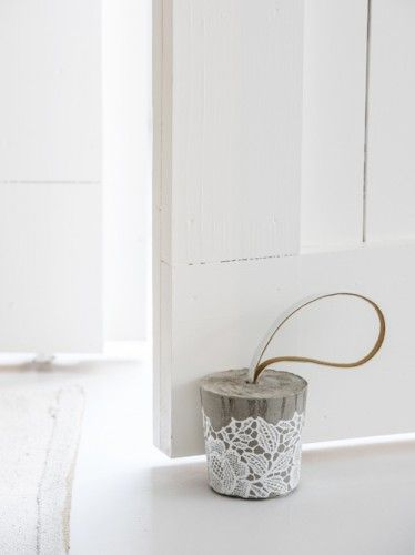 DIY: concrete doorstop                                                                                                                                                                                 More