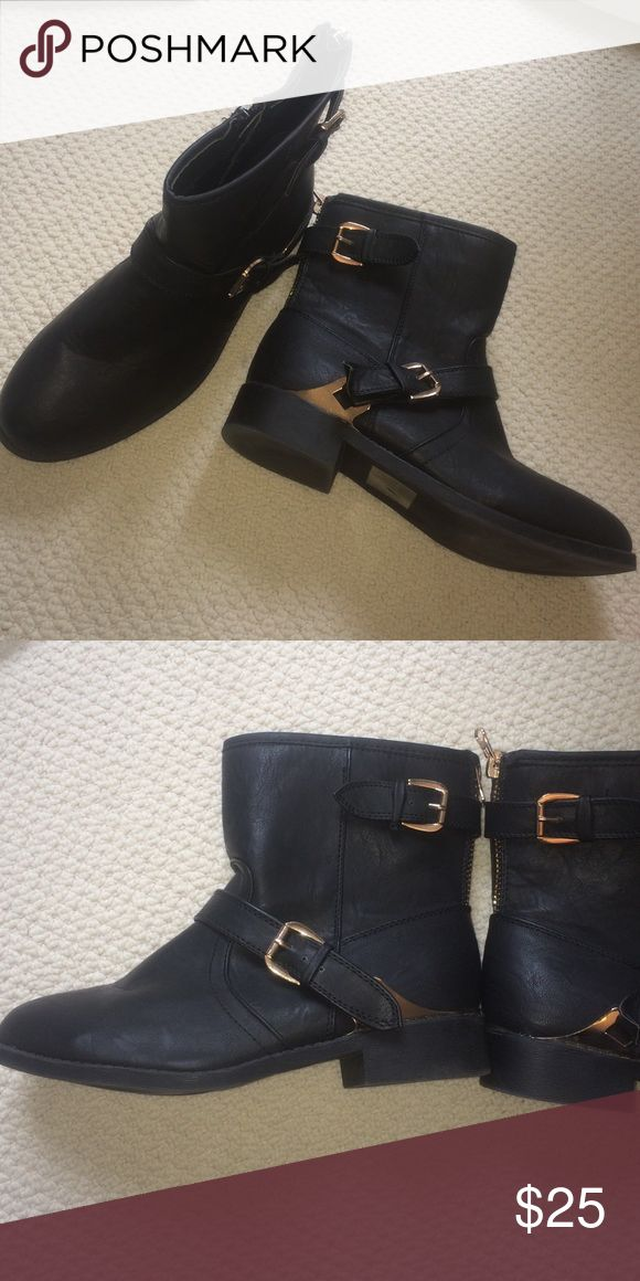 Low ankle boots Super super comfortable ankle boots, zips in the back, never been worn Tilly's Shoes Ankle Boots & Booties