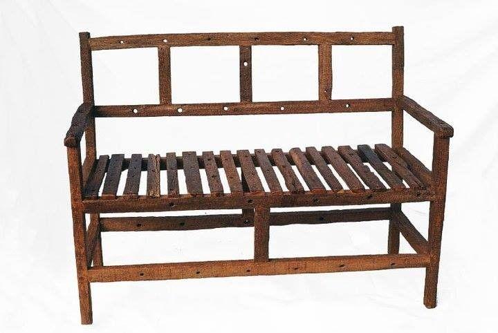 Encontrá Sillón dos cuerpos de madera reciclada desde $4900. Muebles, Living y más objetos únicos recuperados en MercadoLimbo.com.
