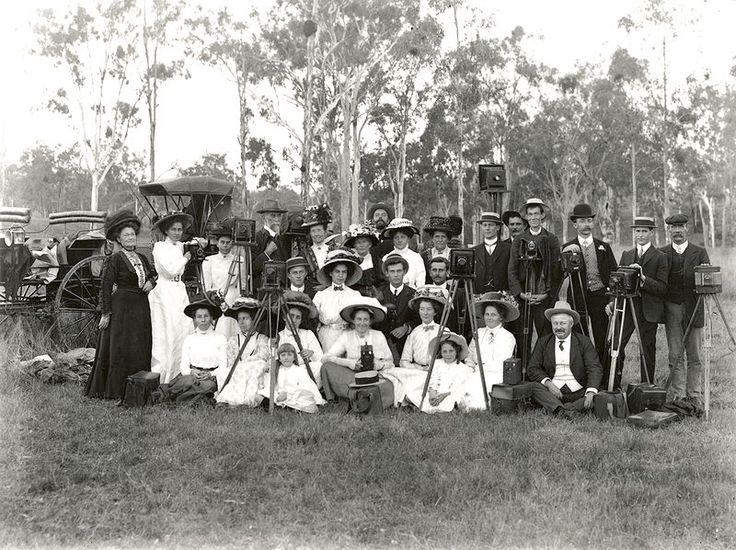 The ladies and gentlemen of the Ipswich Photograph Society. This photo represents the popularity of photography during this period. Photo by AE Roberts from the Queensland Museum collection.