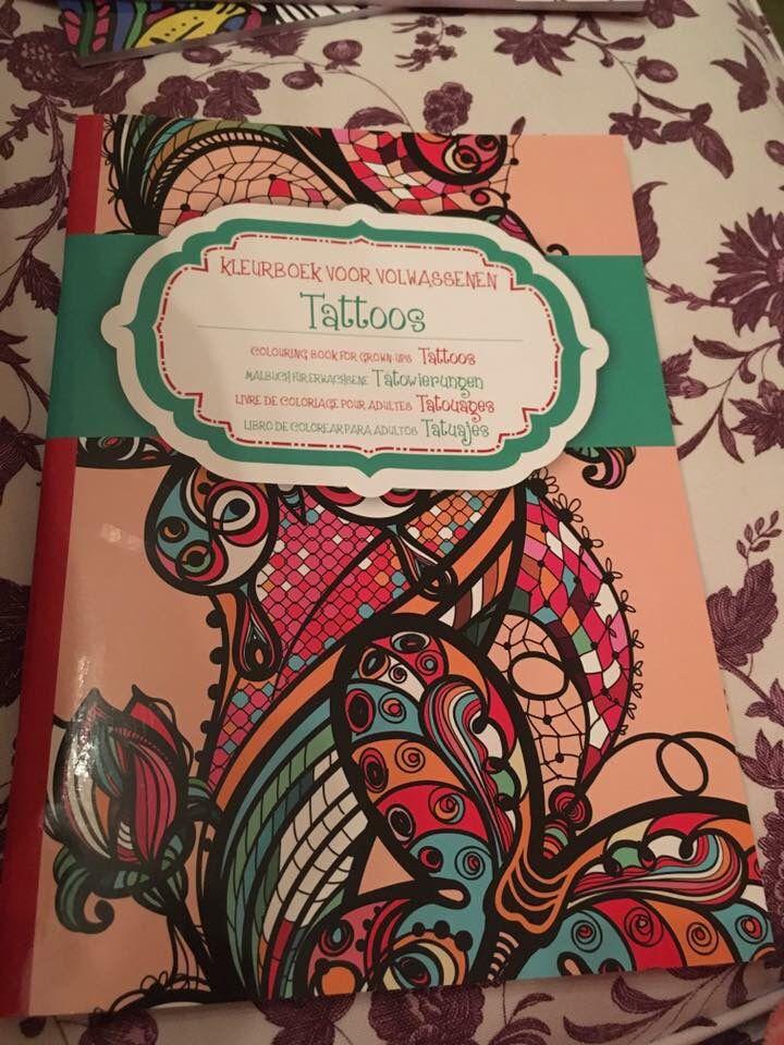 Boek waar ik plaat van heb Kleurschema 8 Dag 18 19 juli  Kleurboek voor volwassen tattoos  Rode  Skul Action