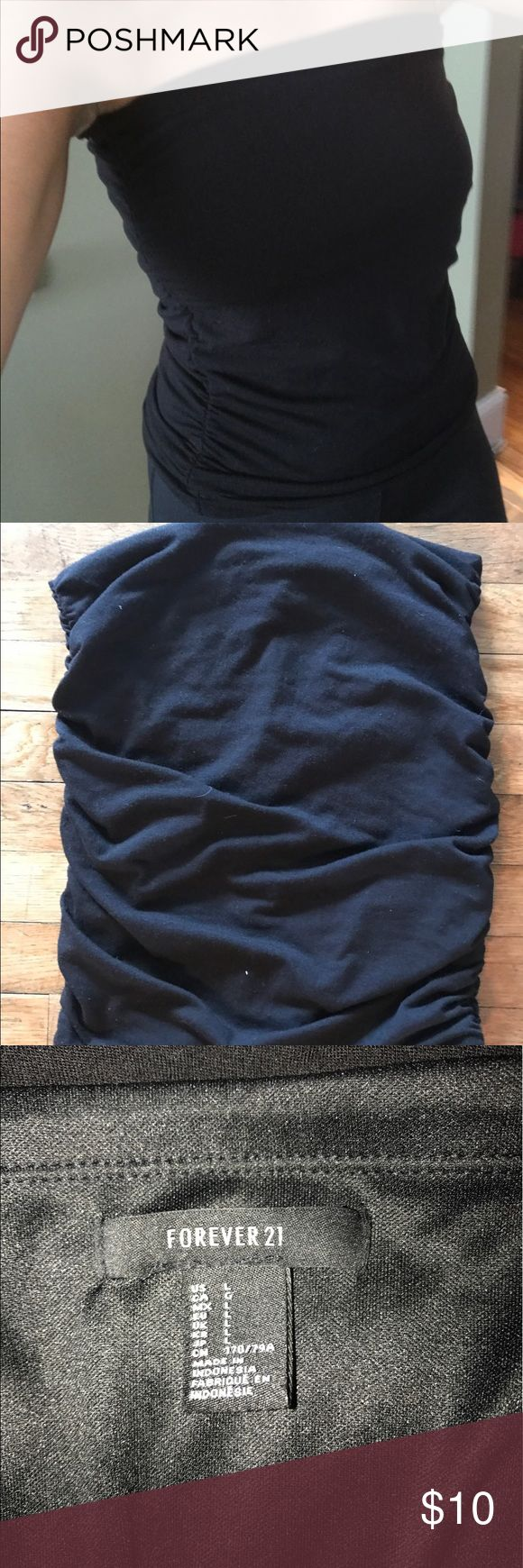 Black tube top with scrunchy sides size large - LIKE NEW forever 21 Black tube top with scrunchy sides size large - I have a D chest and it fit also, took tags off planned on wearing it and never did and forever is awful with returns so my lost your gain ! Forever 21 Tops