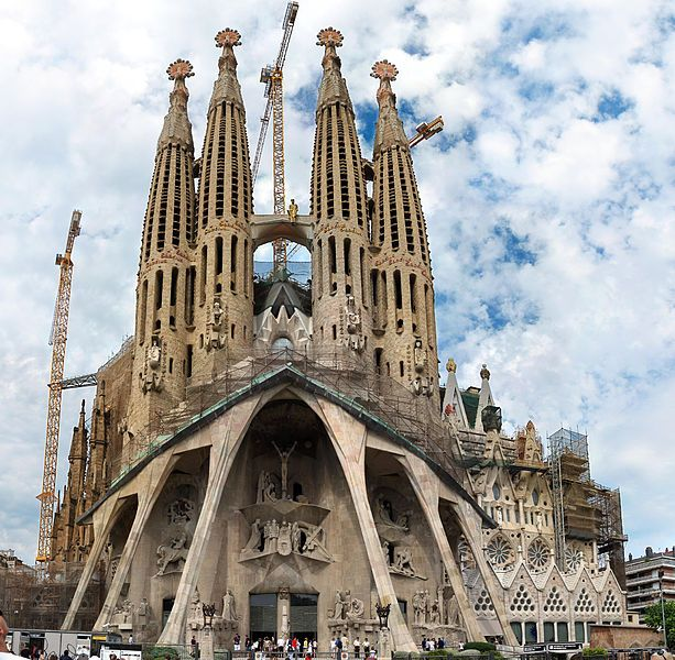 La Sagrada Familia in Barcelona, Spain ~ I think this, the Passion Facade, was my favorite side but the entire thing is just amazing!Buckets Lists, Art Nouveau, Barcelona Barcelona, The Sacred, Spanish Architecture, Barcelona Spain, Antonio Gaudi, Holy Family, Antoni Gaudí