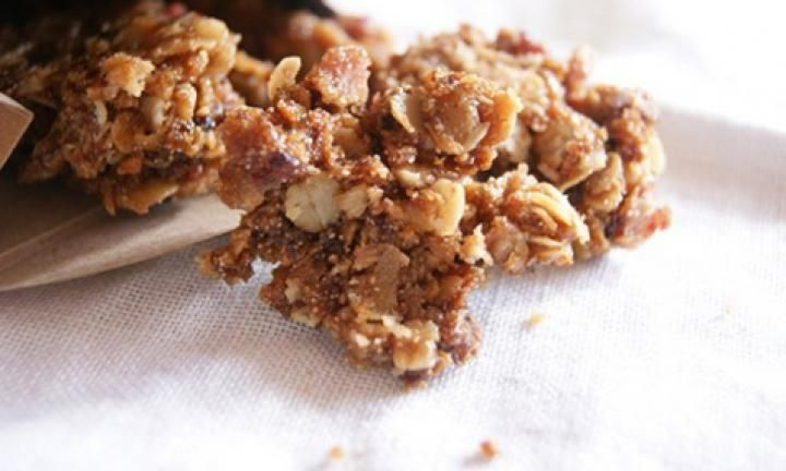 These sweet, golden and slightly chewy clusters are delicious over yoghurt for breakfast, by the handful for morning tea, crumbled over ice cream and/or poached fruit for dessert or stirred through a breakfast muffin.