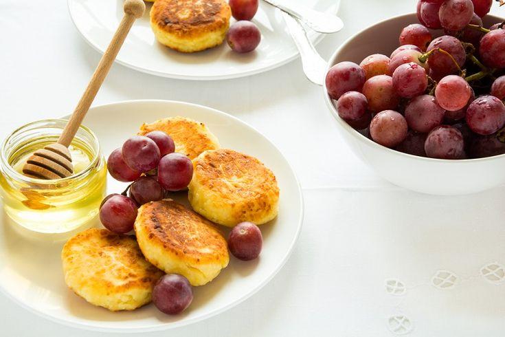 Быстрые, нежные и очень вкусные сырники! Такого рецепта в Интернете ты больше не найдешь, его передала мне бабушка…
