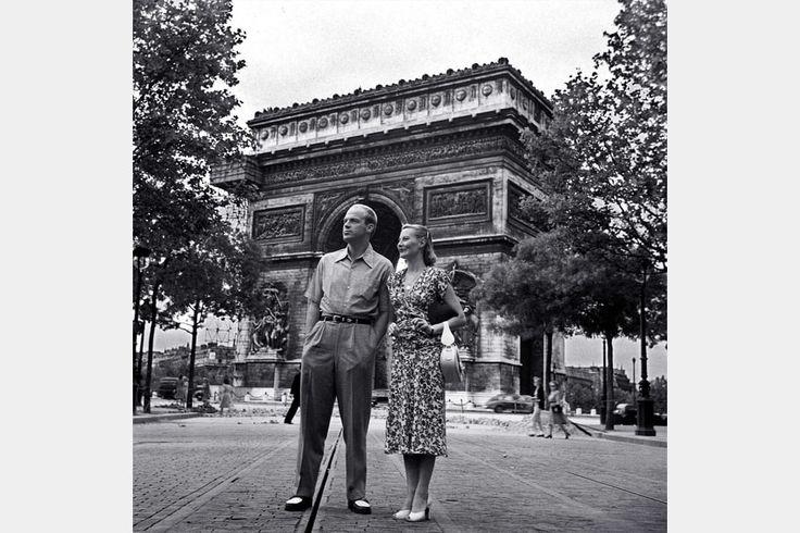 Michèle Morgan au Triomphe avec son mari, l'acteur, producteur et réalisateur américain William Marshall.