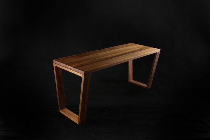 Blackwood Desk. #makimakifurniture #makimaki #brisbanemade #makimakihandmade #blackwood