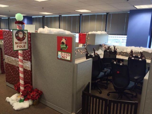 Pole Based Cubicles : Christmas cubicle decor decorations