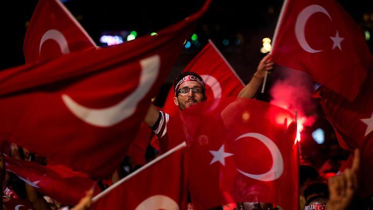 Polizei plant Großensatz: 15.000 zu Erdogan-Demo in Köln erwartet