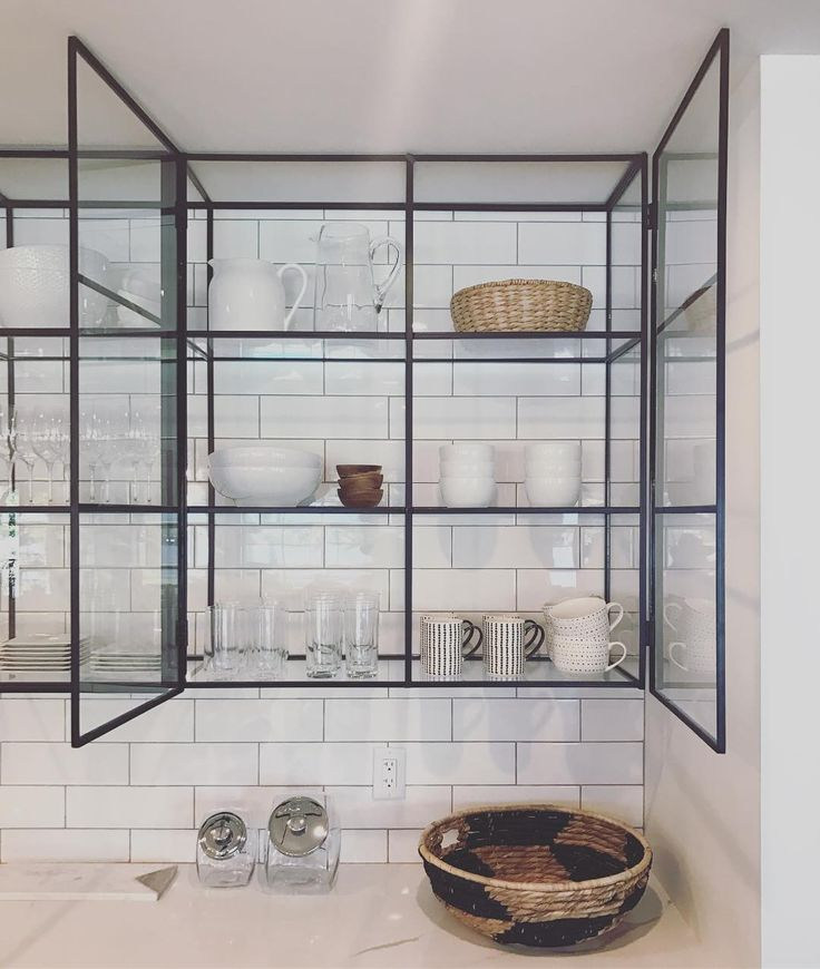 Glass Shelves Kitchen Cabinets: Pin De Living With Lolo Em Iron Work Em 2019