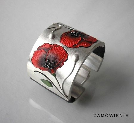Bracelet | Jolanta Bromke. Sterling silver and handpainted leather