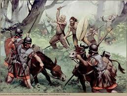 14 – Los germanos, del mismo origen indoeuropeo, que habitaban Escandinavia y Germania en un territorio delimitado por el mar Báltico y los ríos Rin, Danubio y Oder.