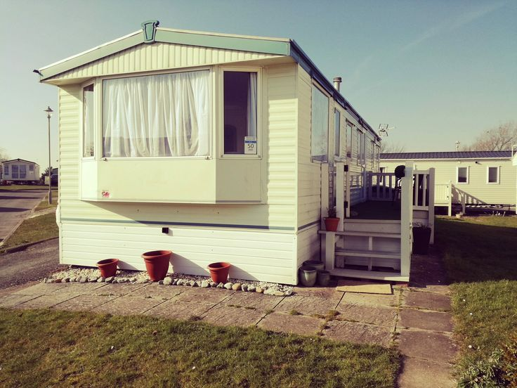 Trecco Bay Parkdean Holiday Park Static Caravan for Hire  #treccobay #caravanhire #cherishedholidayhomes #caravansinwales  https://cherishedholidayhomes.co.uk/static_caravan/trecco-bay-parkdean/  At this park you're only steps away from a striking Blue Flag beach and the bustling town of Porthcawl perfect for family days out. Head a little further afield and take time out to explore the rest of the impressive Glamorgan Heritage Coastline