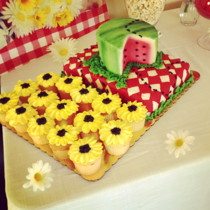 Picnic themed cake