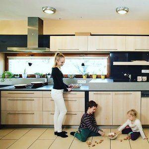 Do kuchyně patří život. #budetejimilovat #wood #kuchyne #kuchyn #drevo #design #interier #home #homedesign #homedecor #deti #kids #life in #kitchen #zivot #luxus #iqkuchyne