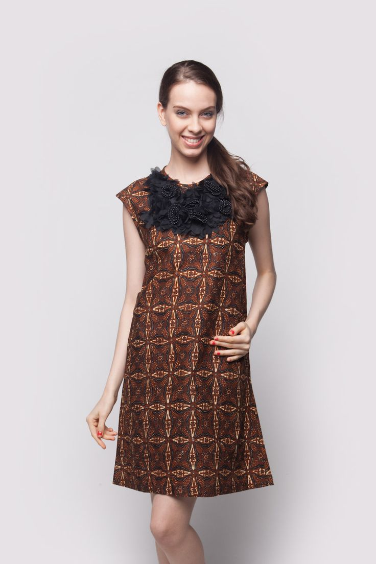 A-Line Dress with flower Brown