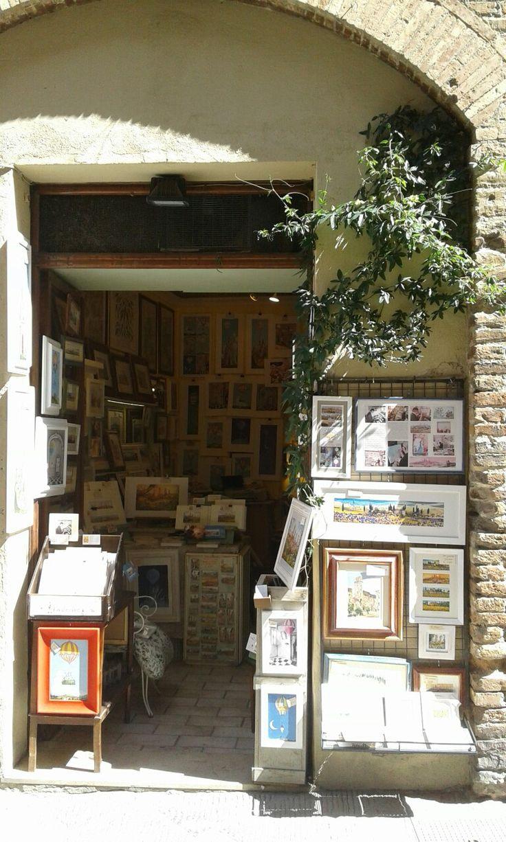 Negozio Pantani Arte  via San  Matteo  74 San  Gimignano