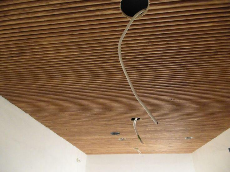 Sormipaneeli katossa. Wood, ceiling