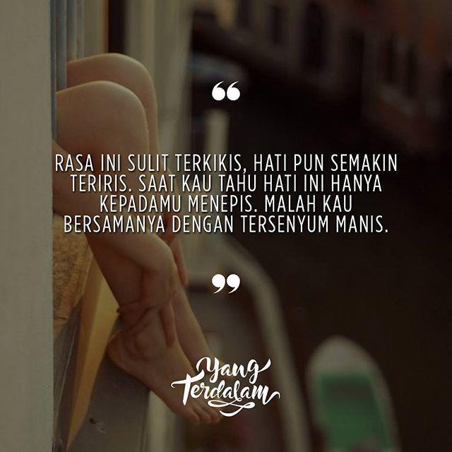 Terkadang manusia punya bahagia, selagi ada yang luka.  Kiriman dari @sellyismi  #berbagirasa  #yangterdalam  #quote  #poetry  #poet  #poem  #puisi  #sajak