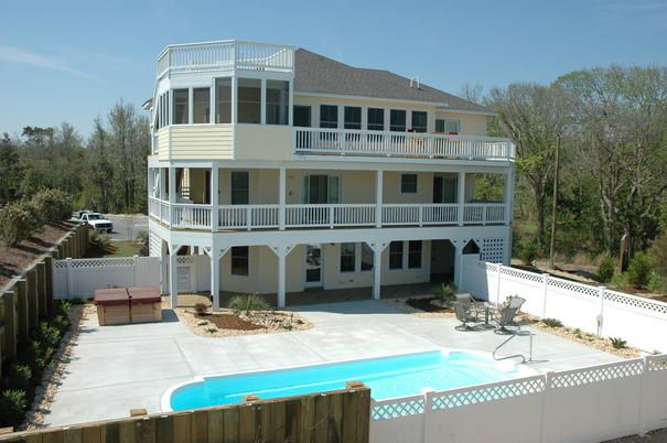 #162 Located on Seascape Golf Links this wonderful house in Kitty Hawk also includes 4 FREE rounds of golf!